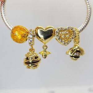 PANDORA Queen Bee Honeycomb Sweet As Honey charms